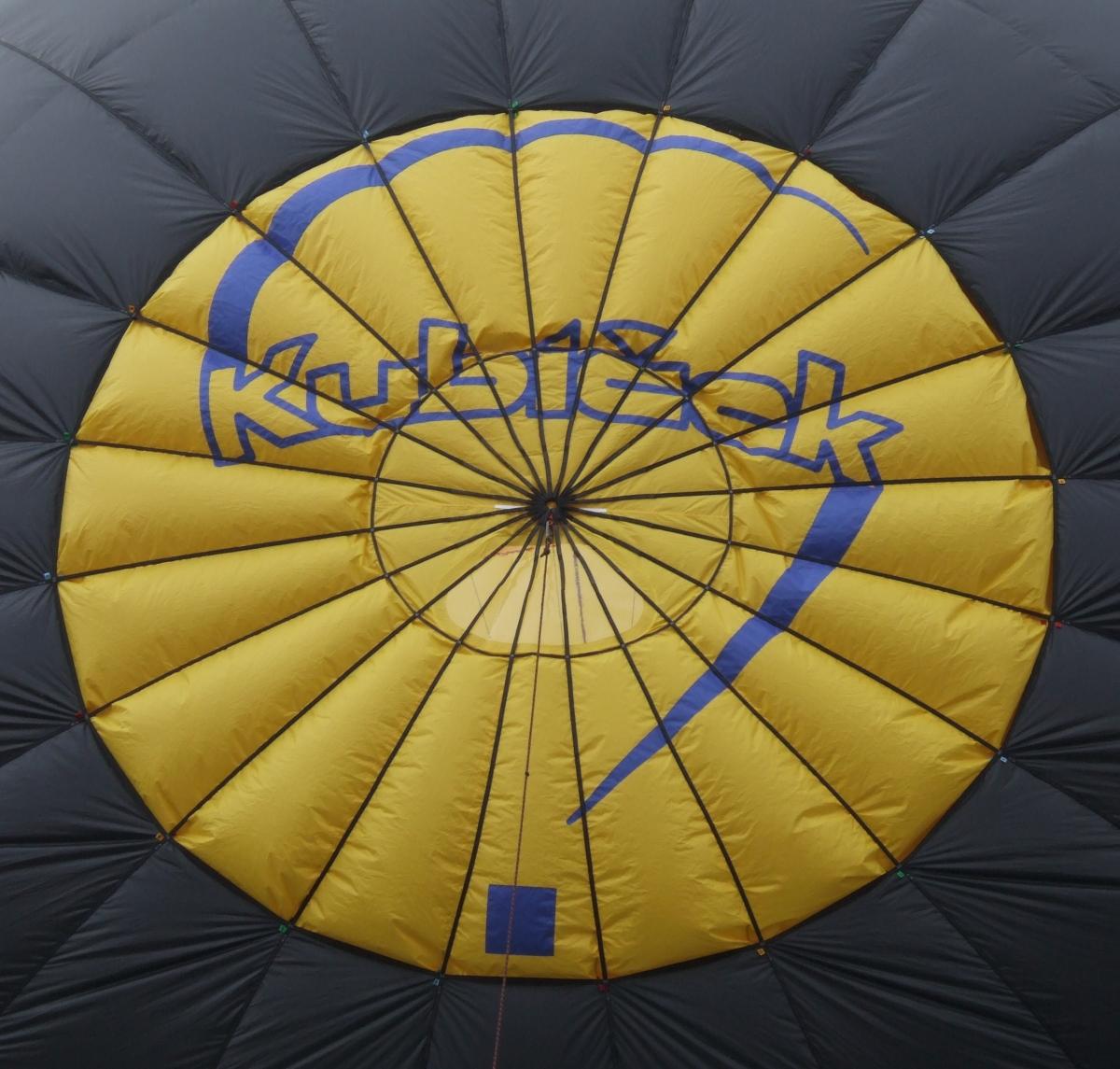 Fixed parachute